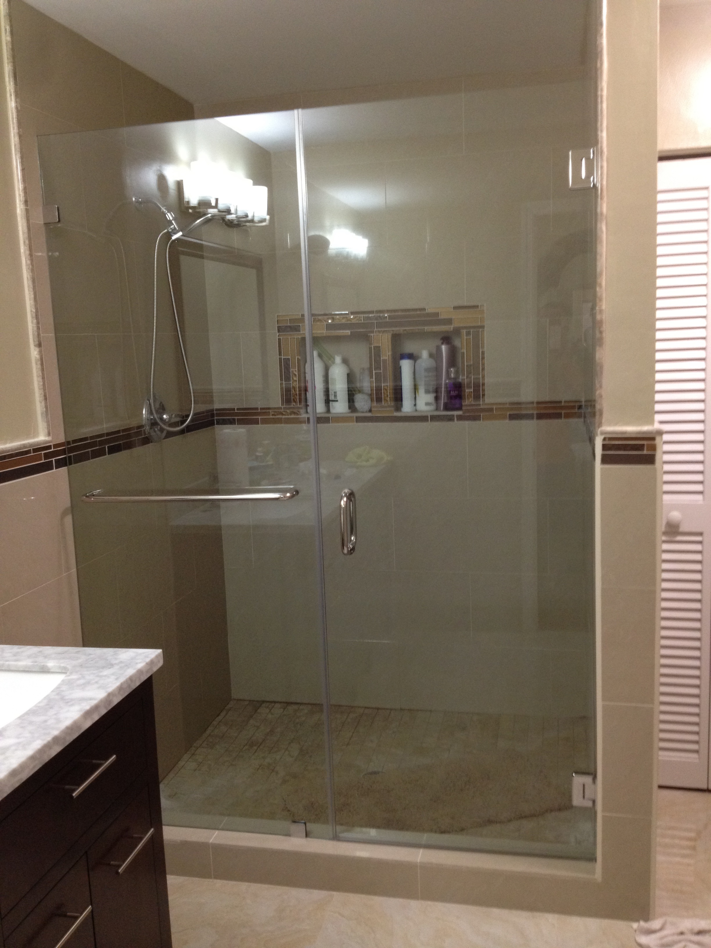 framless shower glass doors and mirrors frameless