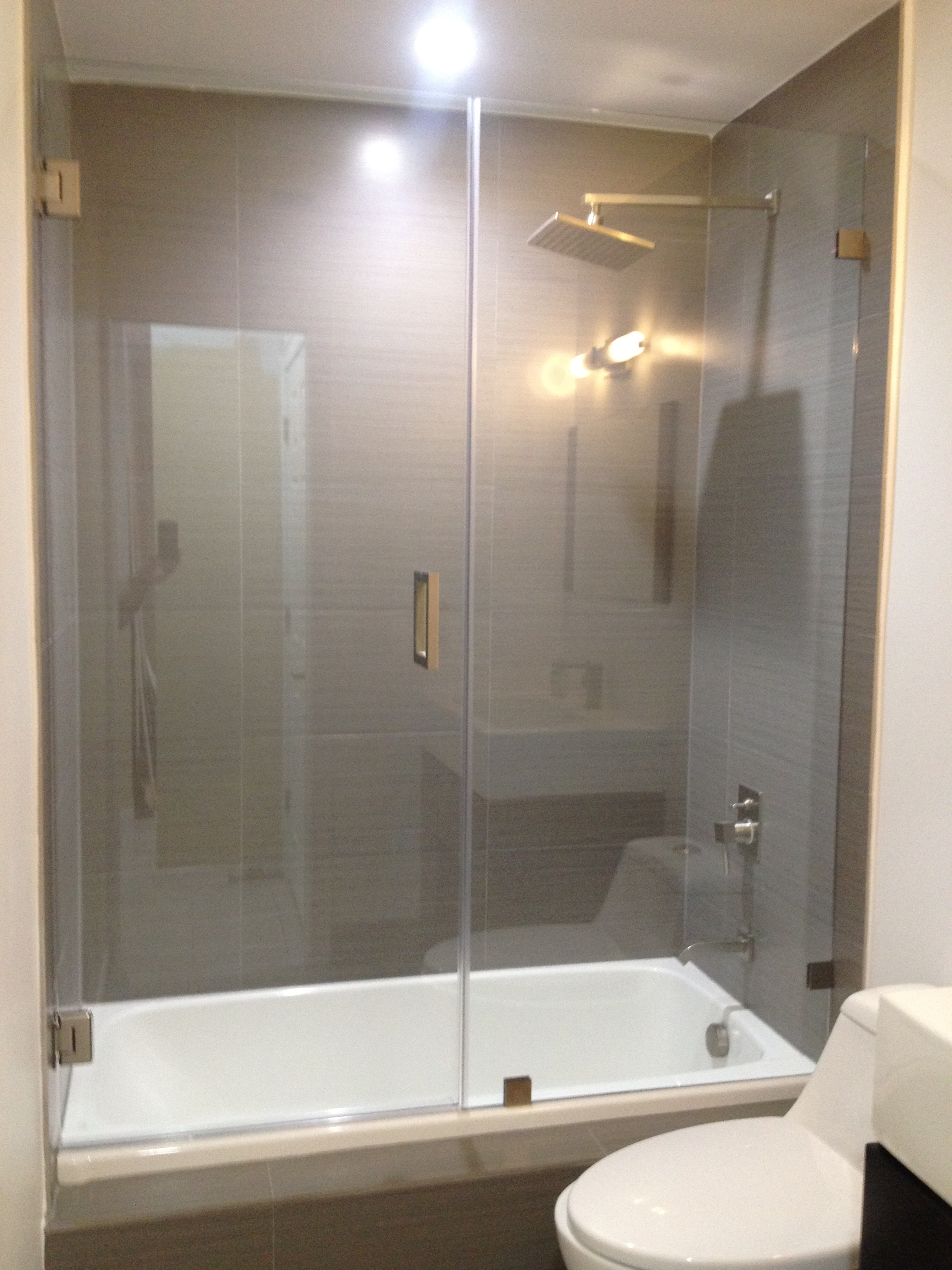 Frameless Tub Shower Door